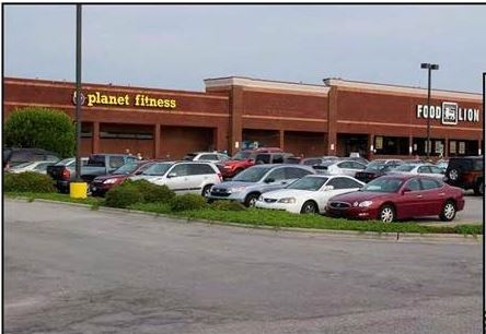 View of the anchors, Planet Fitness and Food Lion